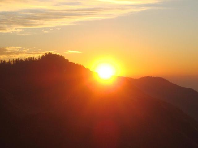 Sunrise views from Poon Hill