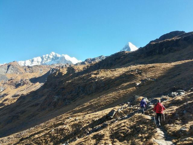 Way to Khayer Lake