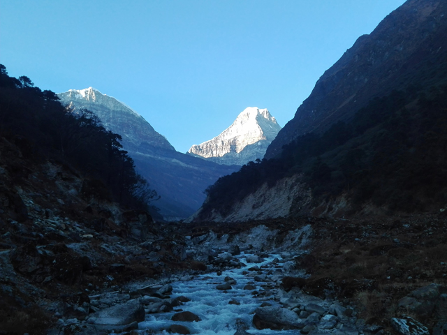 Views of Kusum Kangaru & Char Patte Himal.